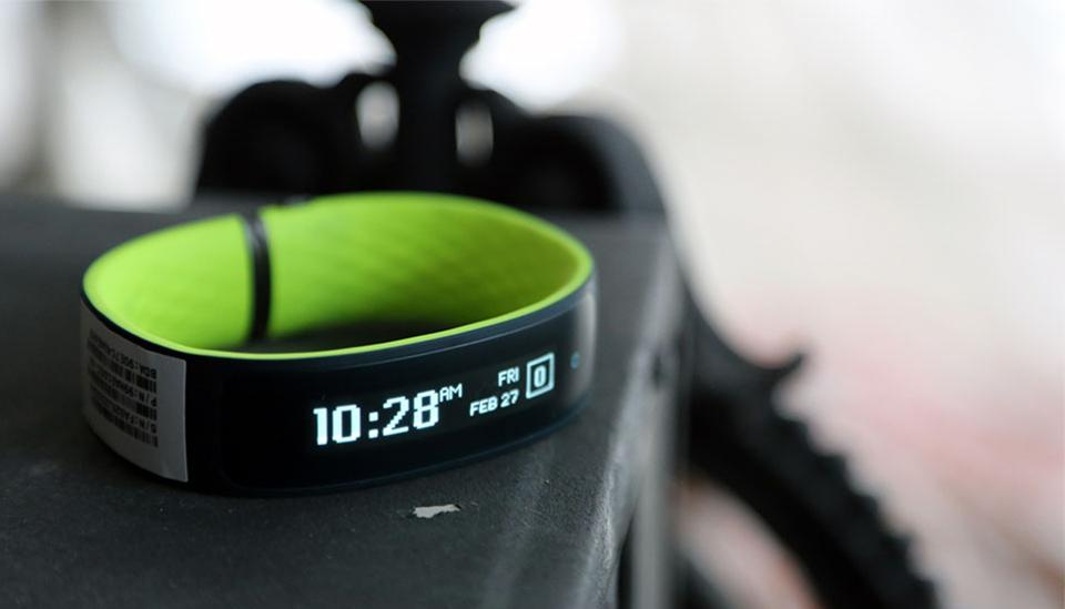 HTC presents a fitness tracker called HTC Re Grip 2