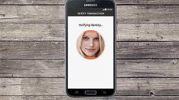 MasterCard crea un password a traves de un selfie y lo presenta en el MWC 1